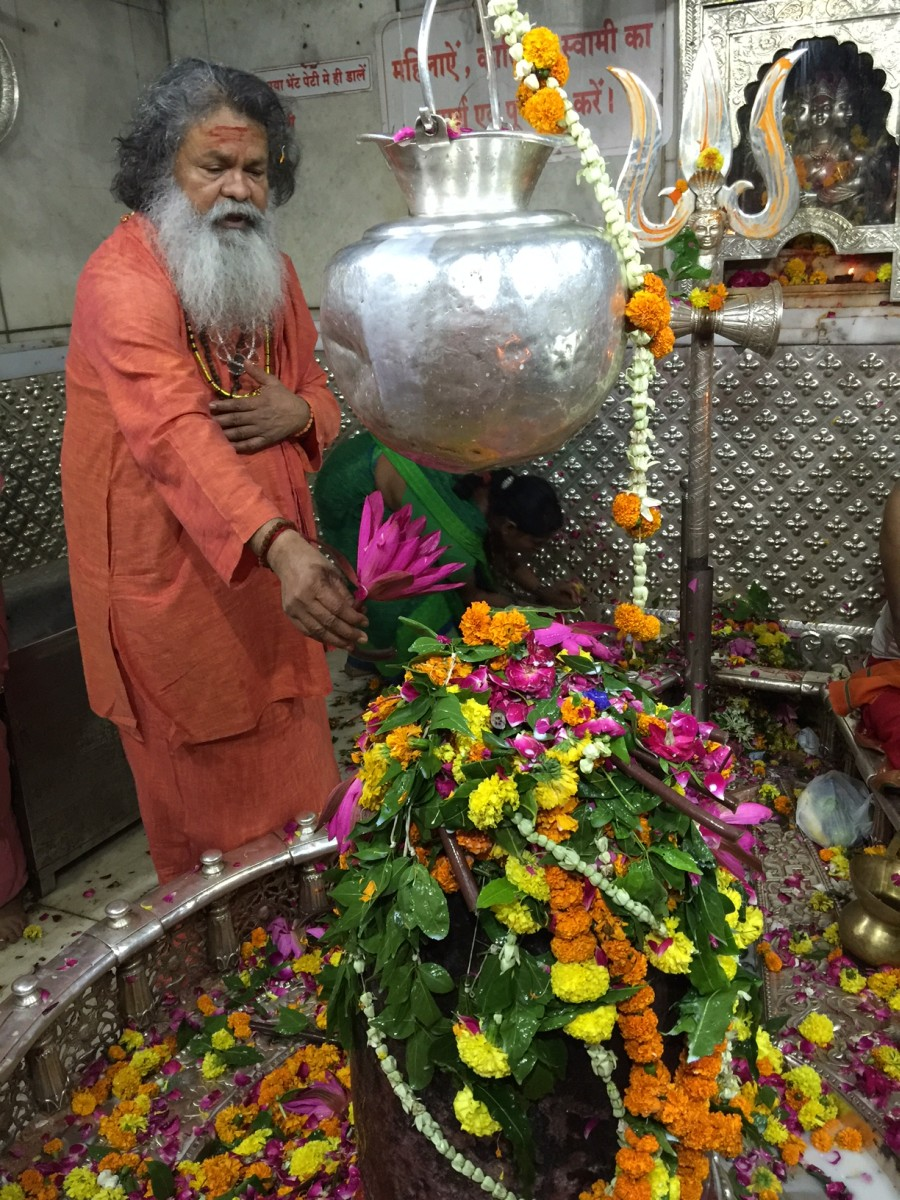 Vishwaguruji doing puja worship of Shiva lingam in Ujjain